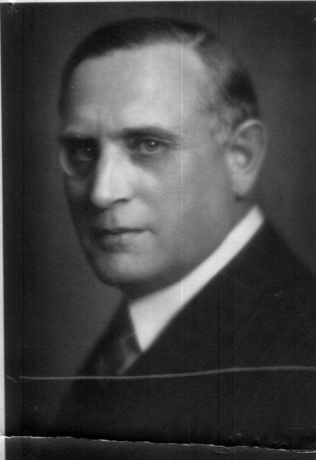 dr. SANTO GAVRO